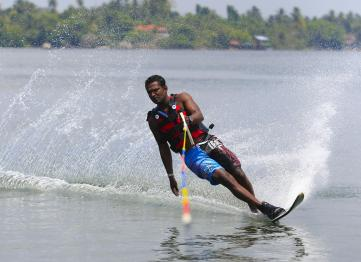 Lsr Hotel Events Water Skiing 08